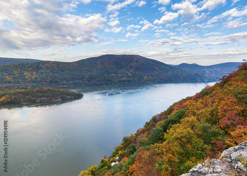 Fotografie, Tablou  The Hudson river in New York State during the fall foliage season