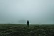 canvas print picture - Ein Mensch wandert am morgen