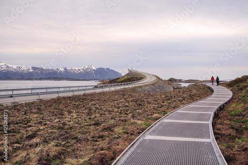 Staande foto Scandinavië Атлантическая дорога в Норвегии