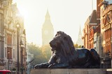 Fototapeta Londyn - London street at the sunrise