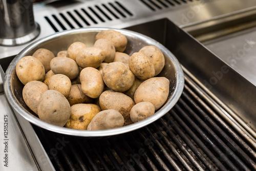 Fotografie, Obraz  ziemniaki miska kuchnia