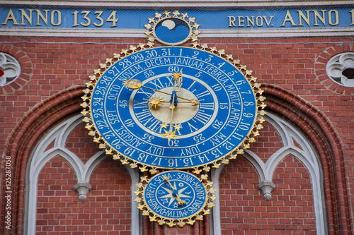 Fotografija  Detail astronomical clock on the House of Blackheads, Riga, Latvia