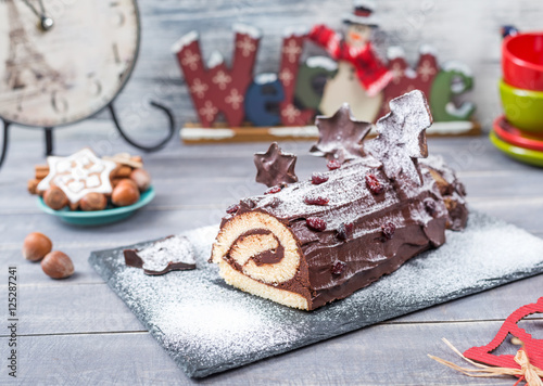 Photographie  Cakes Bush de Noel Christmas Log on New Year background