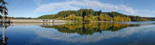 Obraz na płótnie Panorama Bruchena tama blisko Marienheide w Oberbergischer ziemi