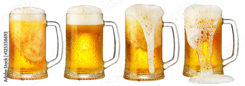 Poster Biere, Cidre cold mug of beer with foam isolated on white background