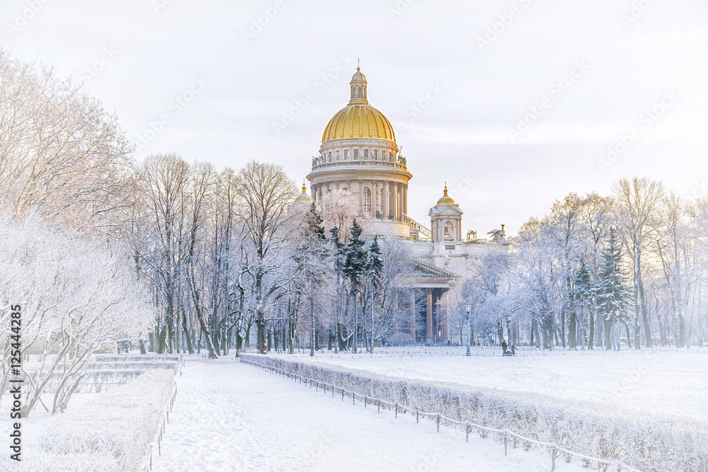 Fototapety, obrazy: Winter view of St. Isaac's Cathedral to St. Petersburg