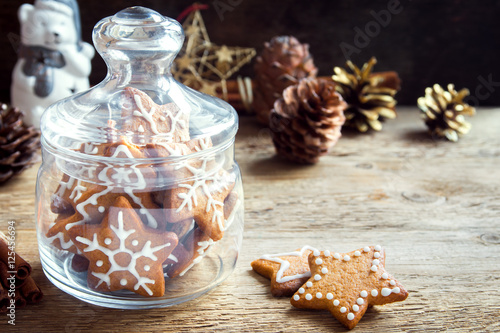 Foto op Canvas Kerstmis Christmas cookies in glass jar