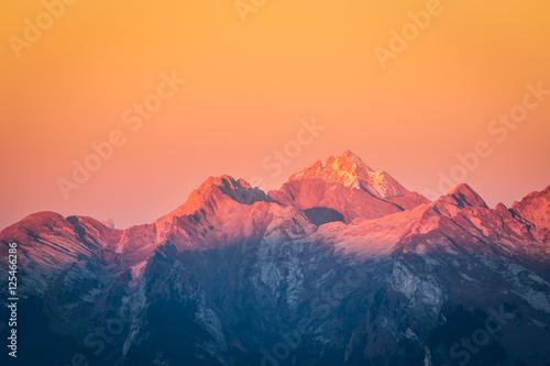 Fotografie, Obraz  Coucher de soleil dans les Aravis