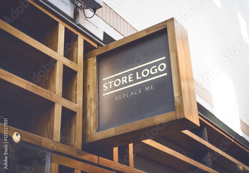 Store Brand Sign Mockup 4 Comprar Este Modelo Do Stock E