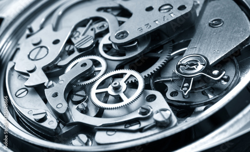 Tuinposter Macrofotografie vintage watch machinery macro detail monochrome