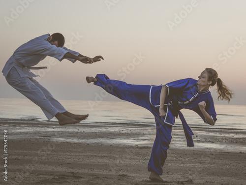 Foto op Plexiglas Vechtsport Kung fu random kick.