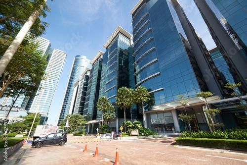 In de dag Abu Dhabi KUALA LUMPUR/MALAYSIA - SEPT 30 2016: Streets and buildings of Kuala Lumpur, the capital city of Malaysia .