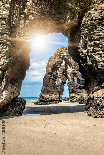 Montage in der Fensternische Cathedral Cove Natural rock arches Cathedrals beach (playa de catedrales) Spain