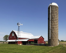Quilt Barn With Windmill And Silo