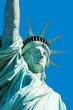Freiheitsstatue vor blauem Himmel