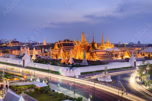 Fototapety, obrazy: Temple of the Emerald Buddha; full official name Wat Phra Si Rattana Satsadaram