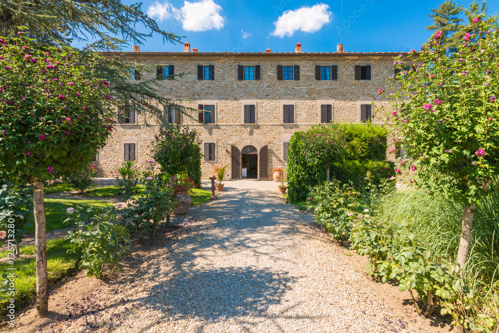 Traditional Italian Tuscany Farmhouse - rural villa surrounded by nature garden