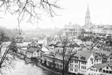 The Aare River wraps around the Old City of Bern, Switzerland. Black and white - 125751275