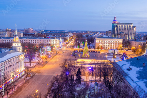 Papiers peints Barcelona View to Voronezh center from the roof, Lenin square, Christmas tree, winter