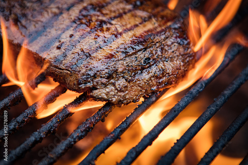 Papiers peints Steakhouse Flank Steak On Grill