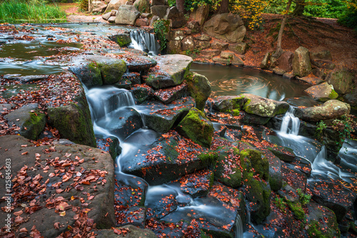 Foto auf AluDibond Wasserfalle A cascade in Virginia Water in the fall colors, Surrey, UK