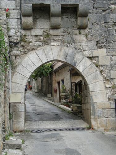 Fényképezés  Medieval gate