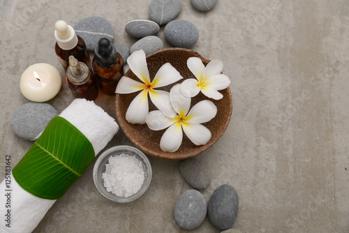 Foto op Canvas Spa Composition of spa treatment on gray background
