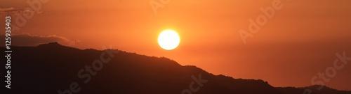 Papiers peints Orange eclat coucher de soleil en kabylie