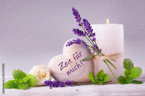 Plissee mit Motiv - Zeit für mich  -  Duftende Deko aus Lavendel, Kräutern, Blüten und Kerze