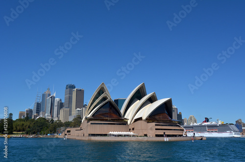 Stickers pour porte Australie Panoramic view of Sydney skyline