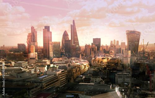 Fototapeta London view at sunset obraz na płótnie