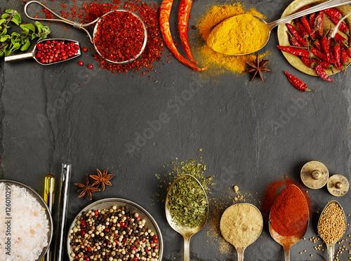 Foto auf AluDibond Gewürze Variation of spices with copy space