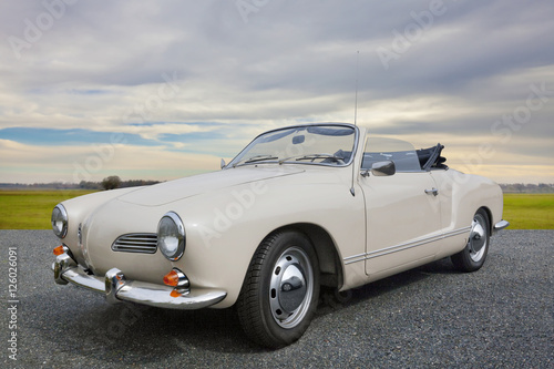 Photo sur Aluminium Vintage voitures Karmann Ghia Oldtimer