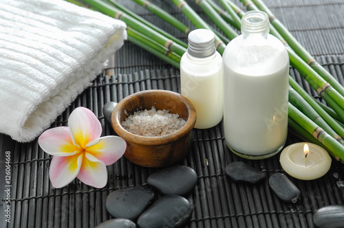 Poster Spa Spa setting on bamboo mat