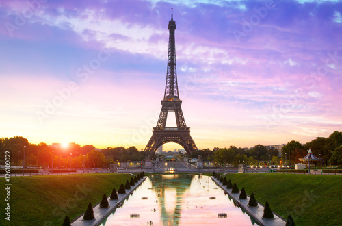 Poster Tour Eiffel Paris, Sunrise on Eiffel Tower