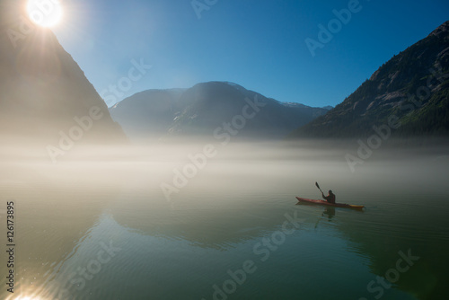 Valokuva  Lone Kayaker and Sunrise Fog, Fords Terror, Alaska