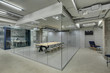 Leinwanddruck Bild - Glowing office in loft style