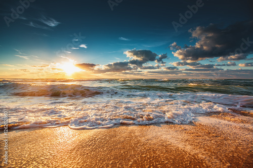 Fototapety, obrazy: Beautiful sunrise over the sea