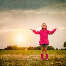 Regen Oder Sonnenschein Kind Im Freien