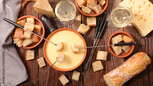 Photo  cheese fondue swiss