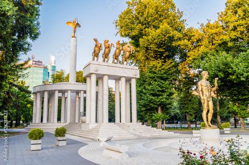 Foto op Plexiglas Historisch geb. Monument of fallen heroes in Skopje, Macedonia