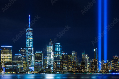 Fototapeta Widok na nocny Manhattan i Tribute in Light ścienna