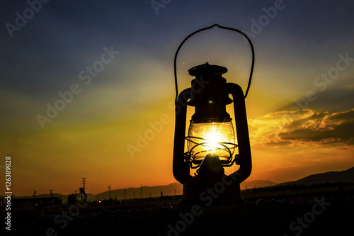 Fener aydınlığında güneş Poster