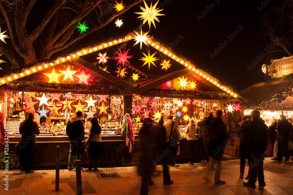 Stuttgart Weihnachtsmarkt.Fotografie Obraz Weihnachtliche Hutten Und Verkaufsstande