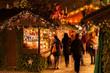 canvas print picture - Weihnachtliche Hütten und Verkaufsstände des Stuttgarter Weihnachtsmarkt