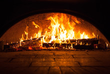 Image Of A Brick Pizza Oven Wi...
