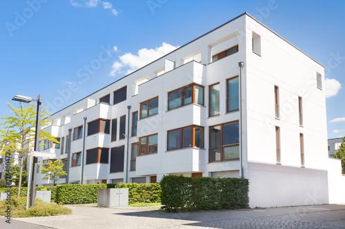 Mehrfamilienhaus, Reihenhaus, Neubau Poster
