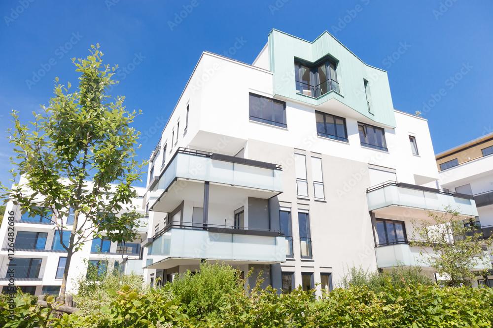 Immobilien / Haus / Neubau Foto, Poster, Wandbilder bei EuroPosters