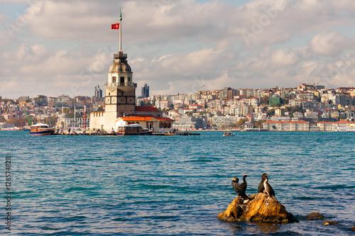 Foto  Maiden's Tower in istanbul, Turkey.