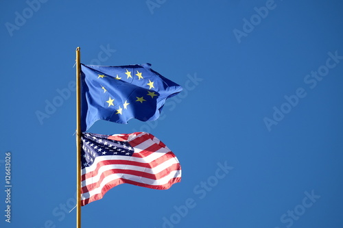 Fotografie, Obraz  Europaflagge USA Flagge